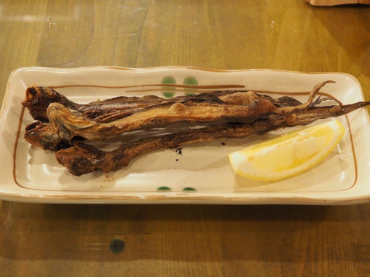 test ツイッターメディア - 昨日の夕飯は富山駅ビルにある居酒屋で。 ホタルいか🦑の沖漬けと同刺身。 …そして、焼いたゲンゲ🐟の一夜干しで一杯🍶。 口の中に海の幸の旨味が拡がり、それを日本酒で流し込む。 至福の時‼️ お供の日本酒は地酒 立山。…😹 https://t.co/T5ztgQ3FQU