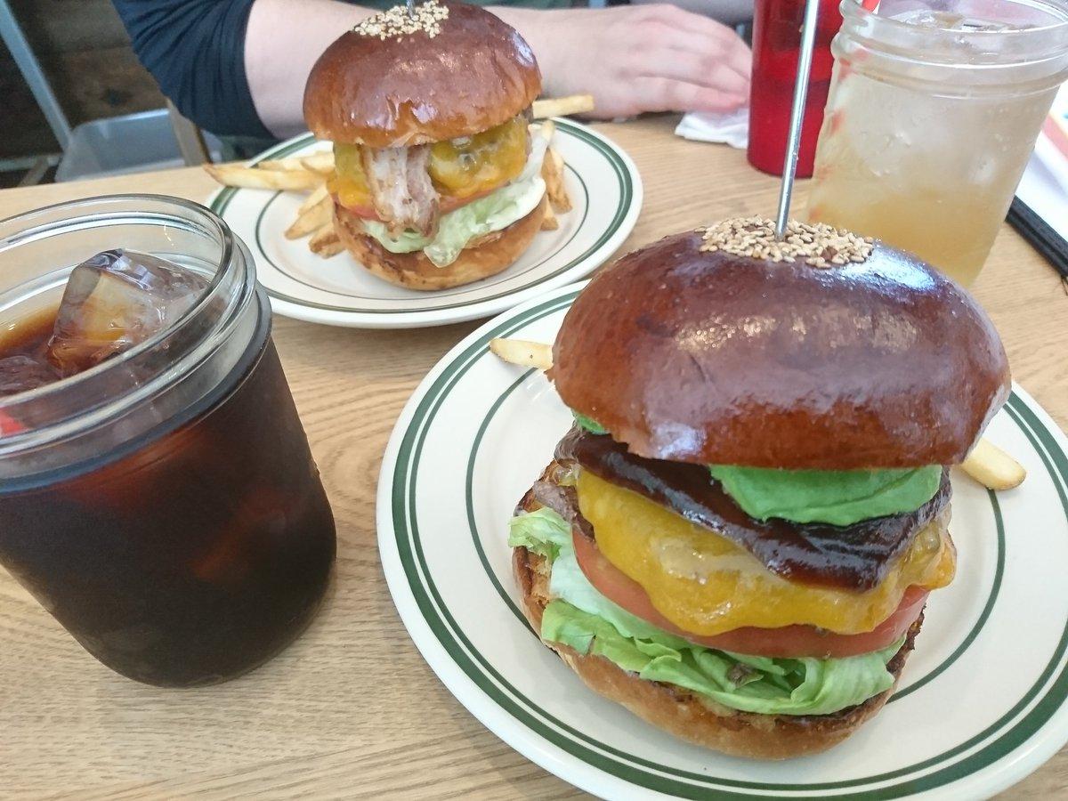 test ツイッターメディア - 昨日は へんば餅食べて、 ハンバーガー食べて ラーメン食べた  楽しい道と、 景色いい所も行きましたよ? 写真撮ってませんが💤  KTMのやつ運転させてもらったけど、中々に癖が強い🙄  伊勢、鳥羽 https://t.co/5k42djeMSc