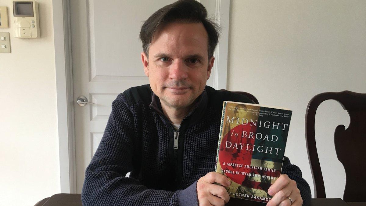 test ツイッターメディア - 🇺🇸では5月がアジア系米人の歩みと功績を称える月間ですが、それに相応しい一冊の本を紹介します。「Midnight in Broad Daylight」(和訳「黒い雨に撃たれて:二つの祖国を生きた日系人家族の物語」)は、戦前に広島からワシントン州に移住した日本人と🇺🇸で生まれた子供の人生を描いた感動の実話です。 https://t.co/Jk0kI5sQmH