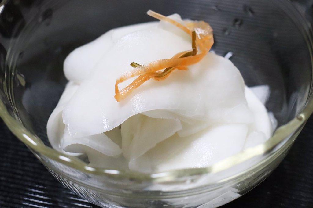 test ツイッターメディア - #晩酌 は #福島県 #南会津町 の会津酒造「山の井 Home 夢の香 60 生」を酌みつつ、メバチマグロ、ソイ、鱸、真蛸の刺身、ウドの塩糀漬け、蕪の甘酢漬け、ウルイの甘味噌添えをつまむ。🐟🐙🍶 刺身は #国見町 にある武田魚店で入手。 海と里の味わいを酒がまとめ上げてくれる。😋 https://t.co/WKS9C4DIVt