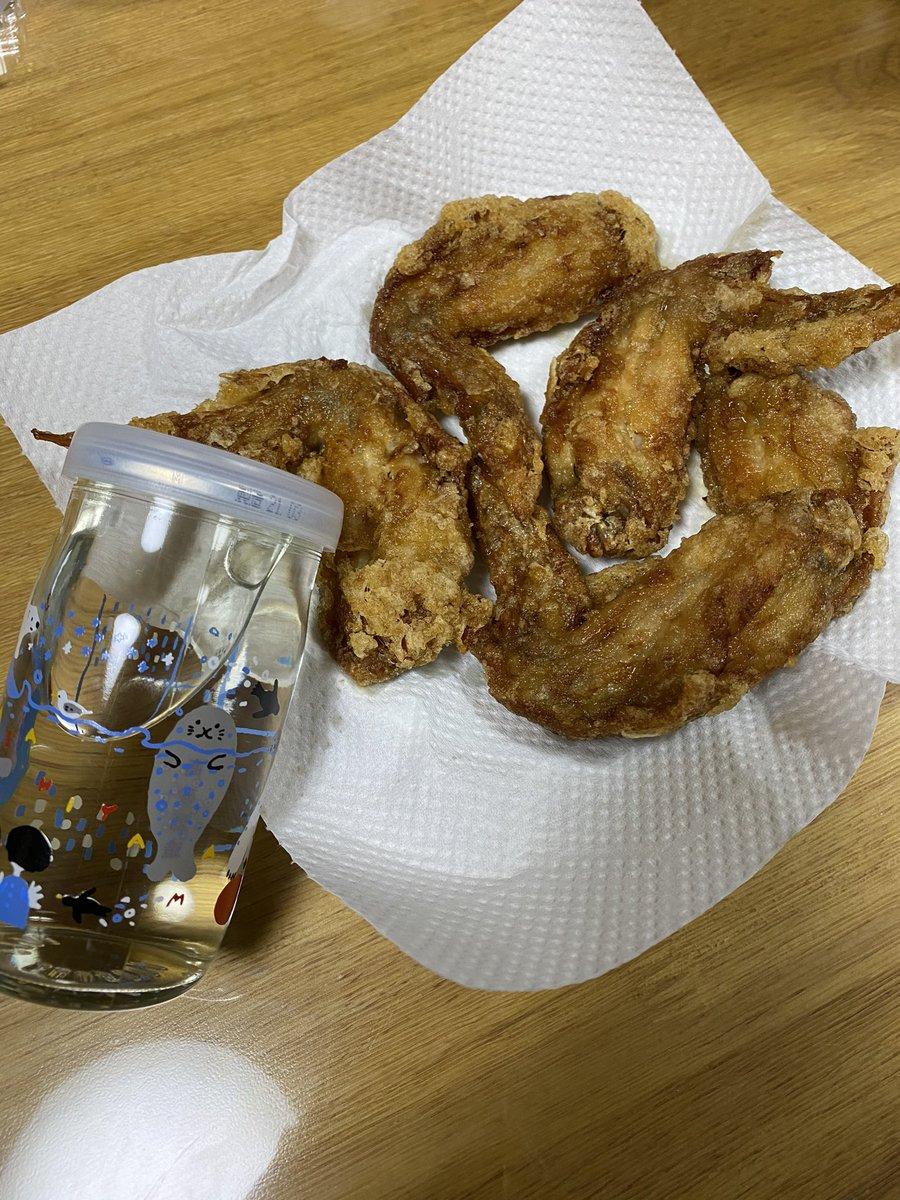 test ツイッターメディア - ワンカップ! 北海道の高砂酒造の純米酒。 #ずZOOっと旭山 容器何種類かあったけどコレに! 近くの北海道のアンテナショップで購入。 飲みやすい!少しぬるい熱燗にして飲んだらトロッとして味の濃い物にピッタリ! 完全にはるこ先生に影響されてる。。 #酒と恋には酔って然るべき https://t.co/adjtckH9lM