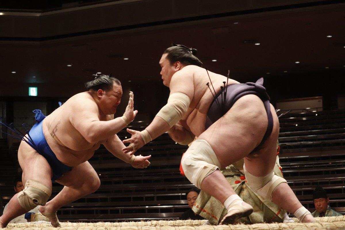 test ツイッターメディア - <二日目の様子> 幕内取組。 照ノ富士(2勝)送り出し 北勝富士(2敗) #sumo #相撲 #五月場所 #夏場所 https://t.co/SC665IF2Jy