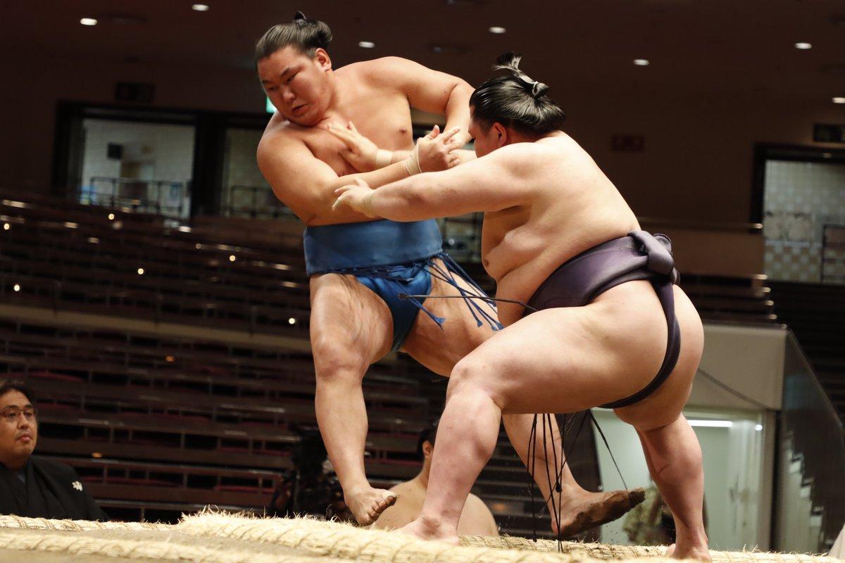 test ツイッターメディア - <三日目の様子> 幕内取組。 阿武咲(3勝) 寄り切り 豊昇龍(1勝2敗)  #sumo #相撲 #五月場所 #夏場所 https://t.co/V4PLSh1tdS
