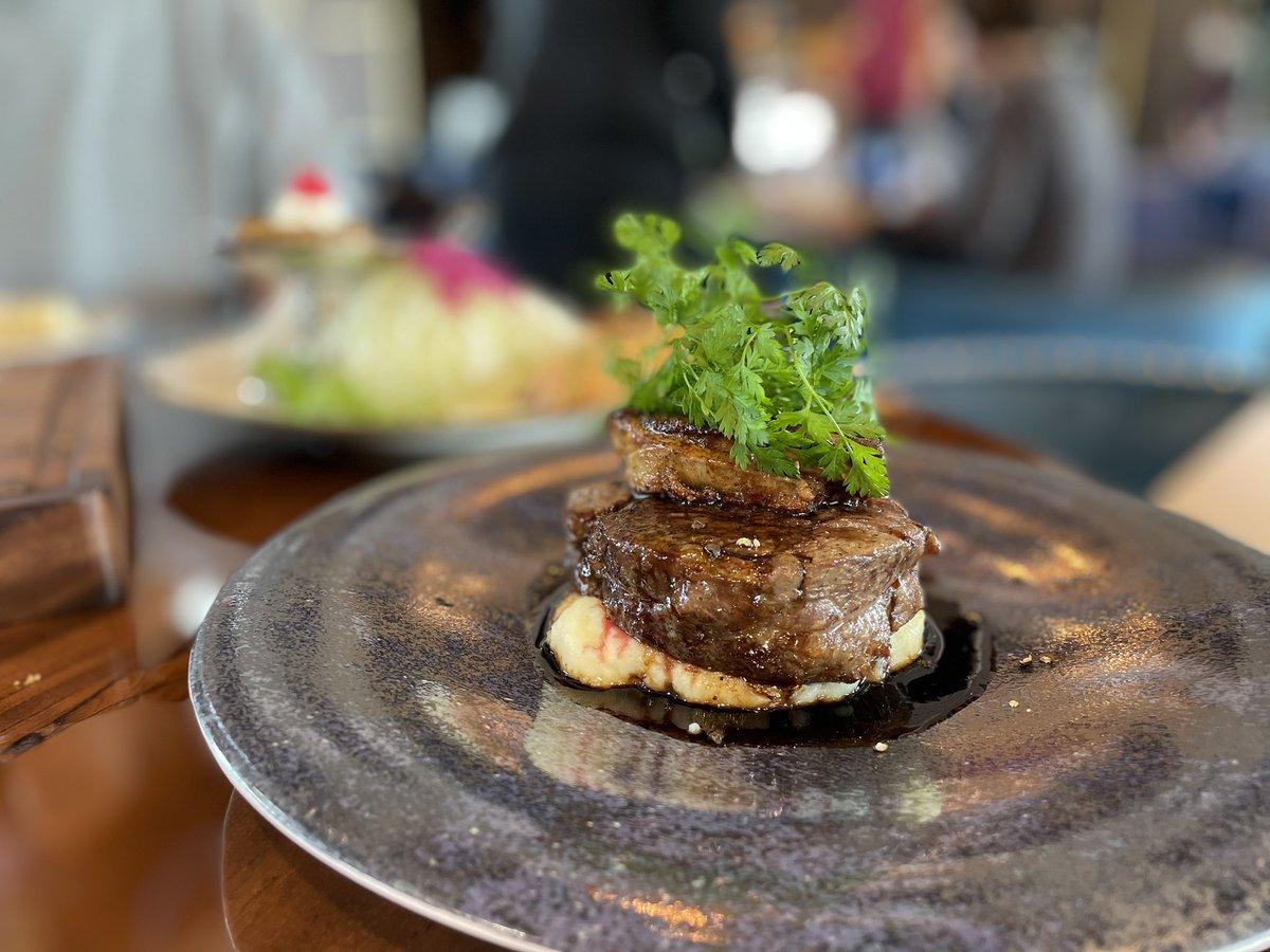 test ツイッターメディア - EKIZO神戸三宮29階の[カフェ・レストラン 神戸望海山]が5/12にオープン! 料理は銀座[マルディグラ]の和知徹シェフが監修。注目は王様のランチ定食で、ハンバーグや大海老フライ、プリンまで。いくつになっても大好きな王道メニューばかり、こんなにいっぺんに食べていいの?と胸がときめきました。 https://t.co/NF5yASSrr8