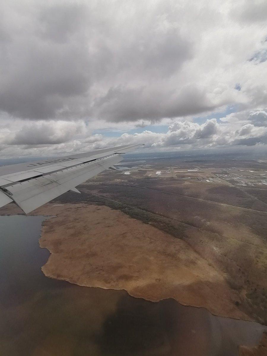 test ツイッターメディア - ウトナイ湖の湖岸。 (新千歳空港着陸直前) エゾシカの歩いた後が網目模様になっているのを観察できます。 https://t.co/pAXf8os8T1