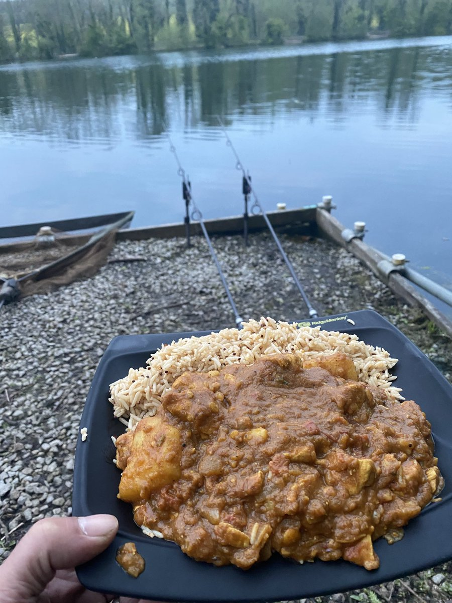 Can't beat this . Homemade curry on the bank . Just settling in for. 48 hr <b>🎣</b>🤞🏼#car
