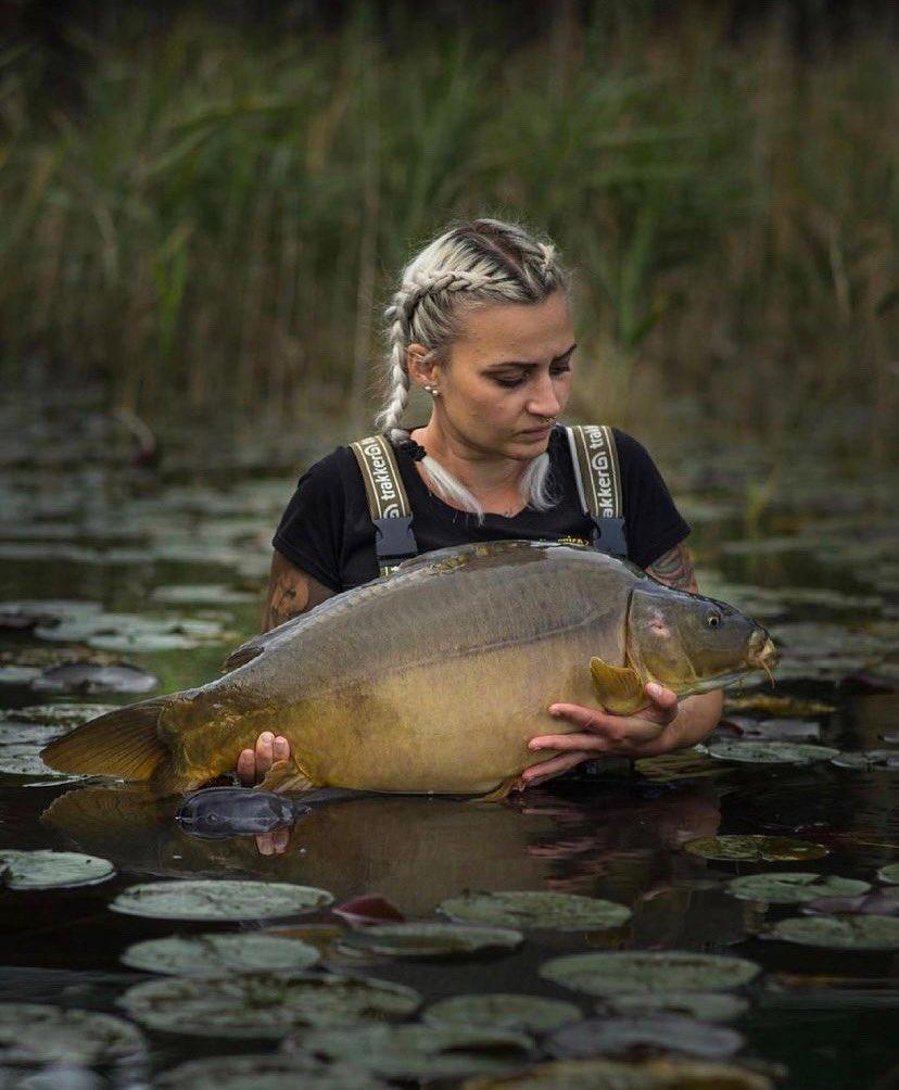 Lovely mirror for Carpy girl Carina Grubbauer 👊🏻🎣  #BigCarpBuzz #Carp #CarpFishing #Fishing