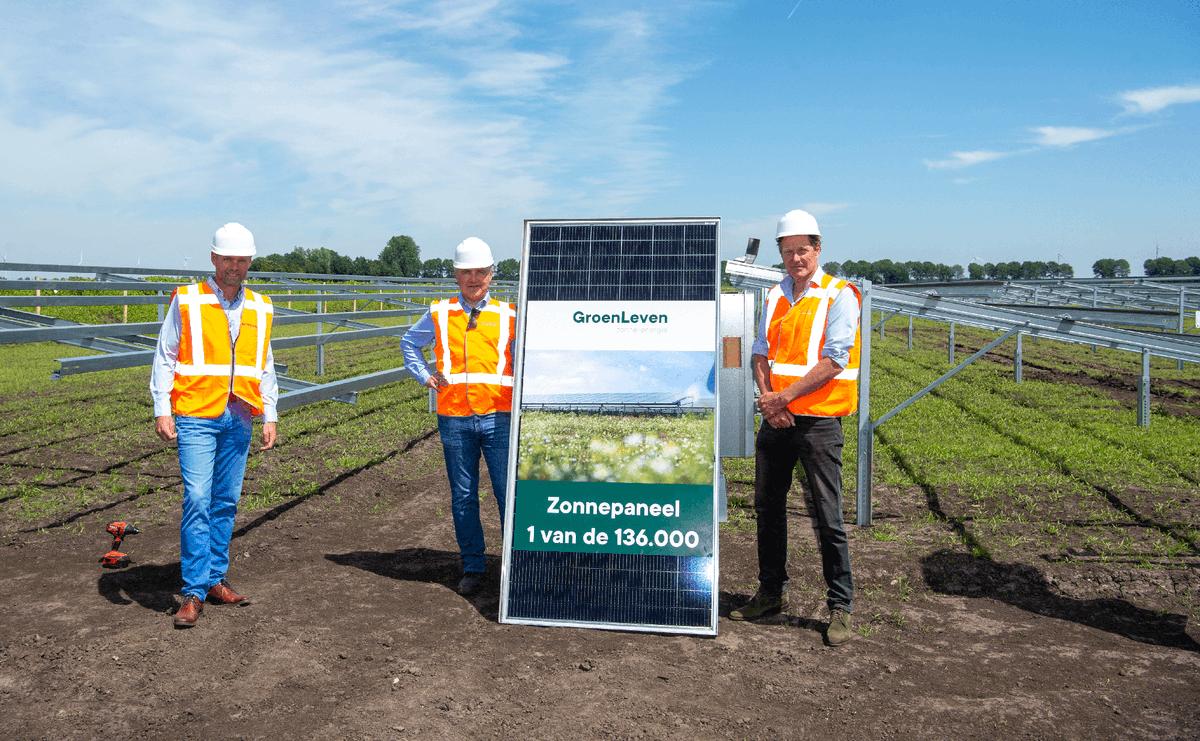 test Twitter Media - GroenLeven is gestart met de bouw van zonnepark Exloosche Landen, bij Exloo. Op maandag 14 juni is symbolisch het eerste zonnepaneel geplaatst door GroenLeven, de gemeente Borger-Odoorn en initiatiefnemer en inwoner van Exloo, Jan Reinier de Jong: https://t.co/OwUH3JOuSI https://t.co/RJUk3Pcs6F