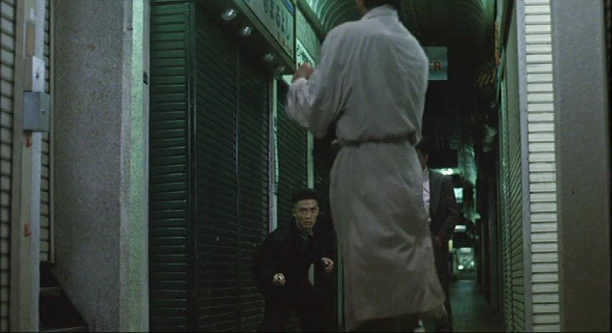 test ツイッターメディア - 『ピアザkobe』 神戸市中央区北長狭通2-30-52  ※主人公・私(柴田恭兵)が佐久間(片桐竜次)と矢崎(伊藤洋三郎)に尾行されなぜか襲われるが撃退する  『べっぴんの町』 1989年10月14日公開   #べっぴんの町ロケ地 https://t.co/QAZ95aTWHC