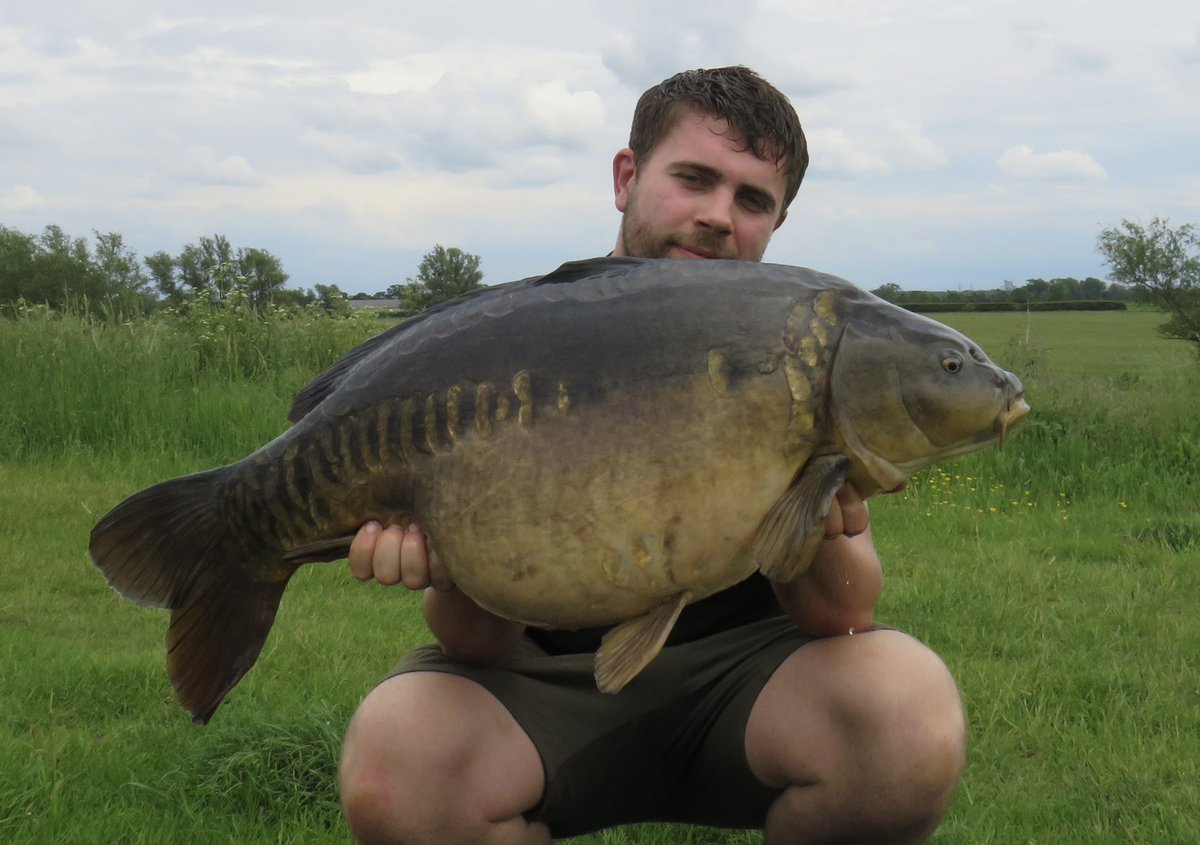 I've had the lake to myself this <b>Weekend</b> and it produced this stunner for me! 🎣 🐟#New