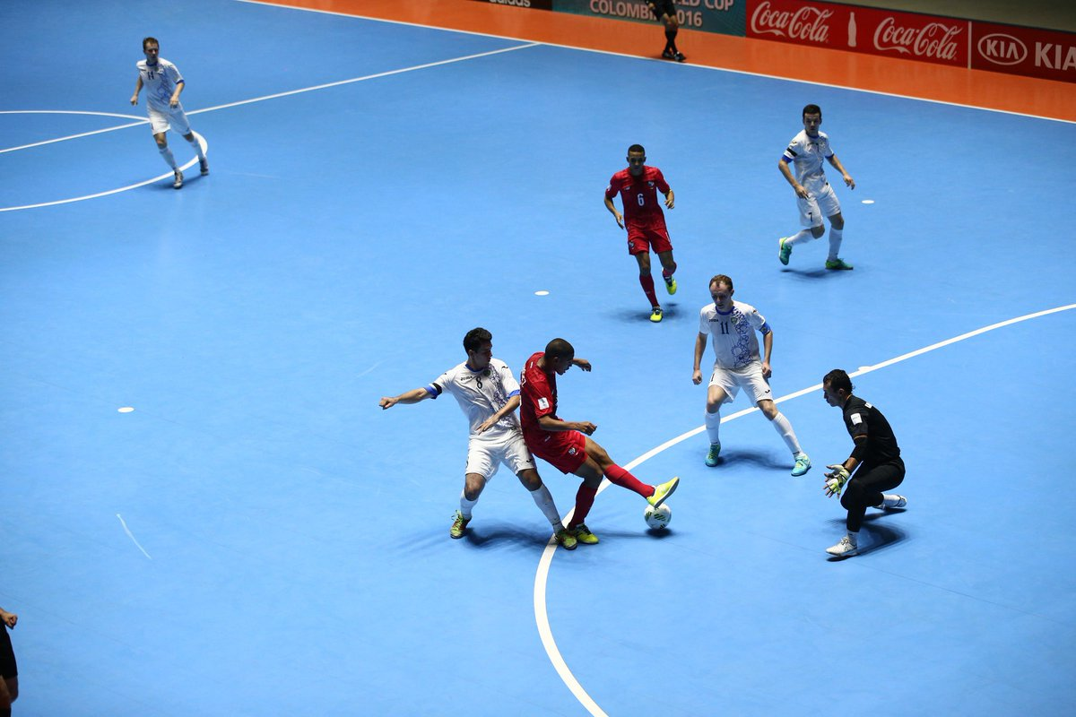 A video support system for referees at the FIFA Futsal World Cup™ . For the first time in the history of this competition such a system will be used, with the technology set to positively impact the game. https://t.co/7fxNtaeHaP #FutsalWC #FootballTechnology