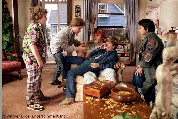test ツイッターメディア - マイキーの兄・ブランド役のジョシュ・ブローリンさんは、当時17歳。本作で映画デビューを果たした後もキャリアを重ね、2008年にはアカデミー助演男優賞にもノミネート。最近では『アベンジャーズ』シリーズで、最強の敵・サノスを演じています。 #グーニーズ #金曜ロードショー https://t.co/AGruxOtHXD