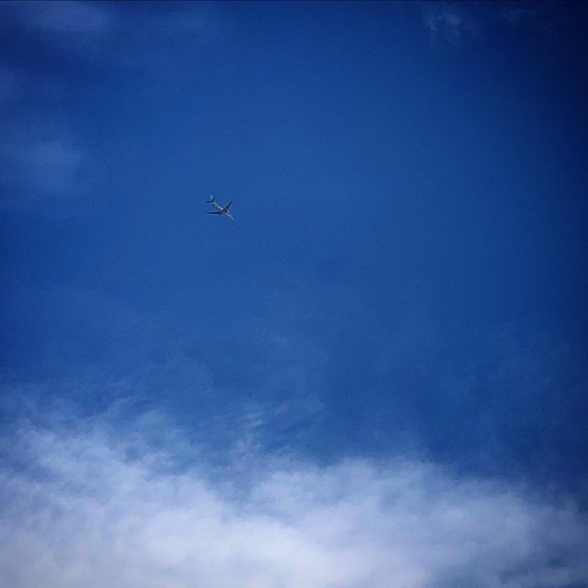 test ツイッターメディア - 終わるのを待っている間、空を見上げると #彩雲 が🌈 早く元の生活に戻って、当たり前の様に旅行でも行きたいですね✈️ 今日も暑くなりそうですが、今日も元気に参りましょ〜( ´ ▽ ` ;)ノ #イマソラ #いまそら #金沢 #KANAZAWA https://t.co/YaL4oOoZRh