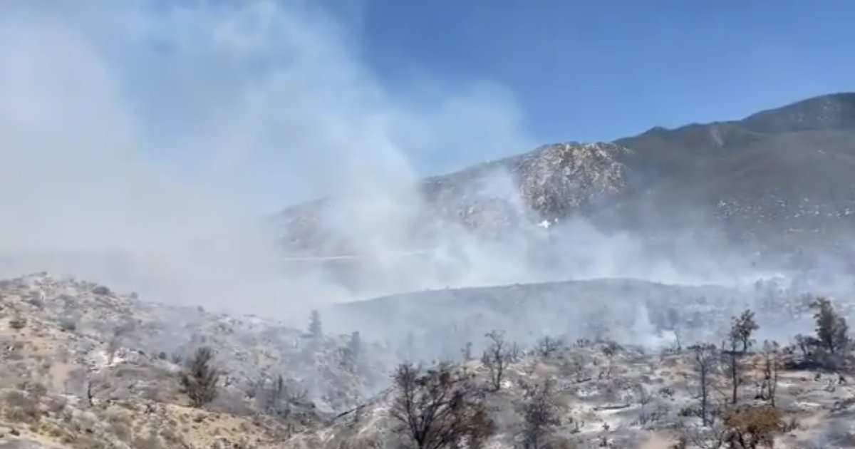 test Twitter Media - UPDATE: #FlatsFire is now 400 acres with 10% containment. Firefighters are making good progress. The forward rate of spread was stopped at 5 p.m. STORY: https://t.co/b9Bo25VEs3 https://t.co/tWC7eVRrKO