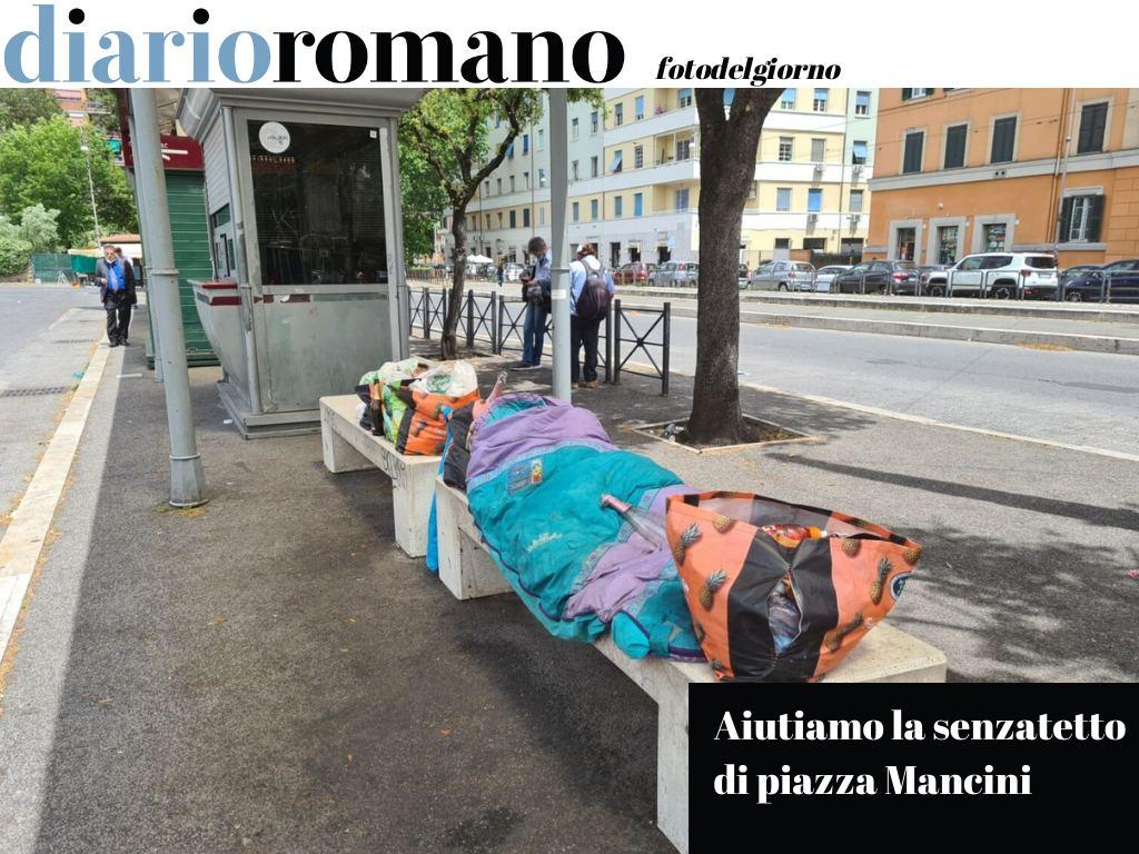 test Twitter Media - Al capolinea di piazza Mancini da tempo soggiorna una senzatetto che andrebbe aiutata. Se lo accetta, un alloggio in comunità. #Roma #fotodelgiorno https://t.co/mNQsOLwNU3