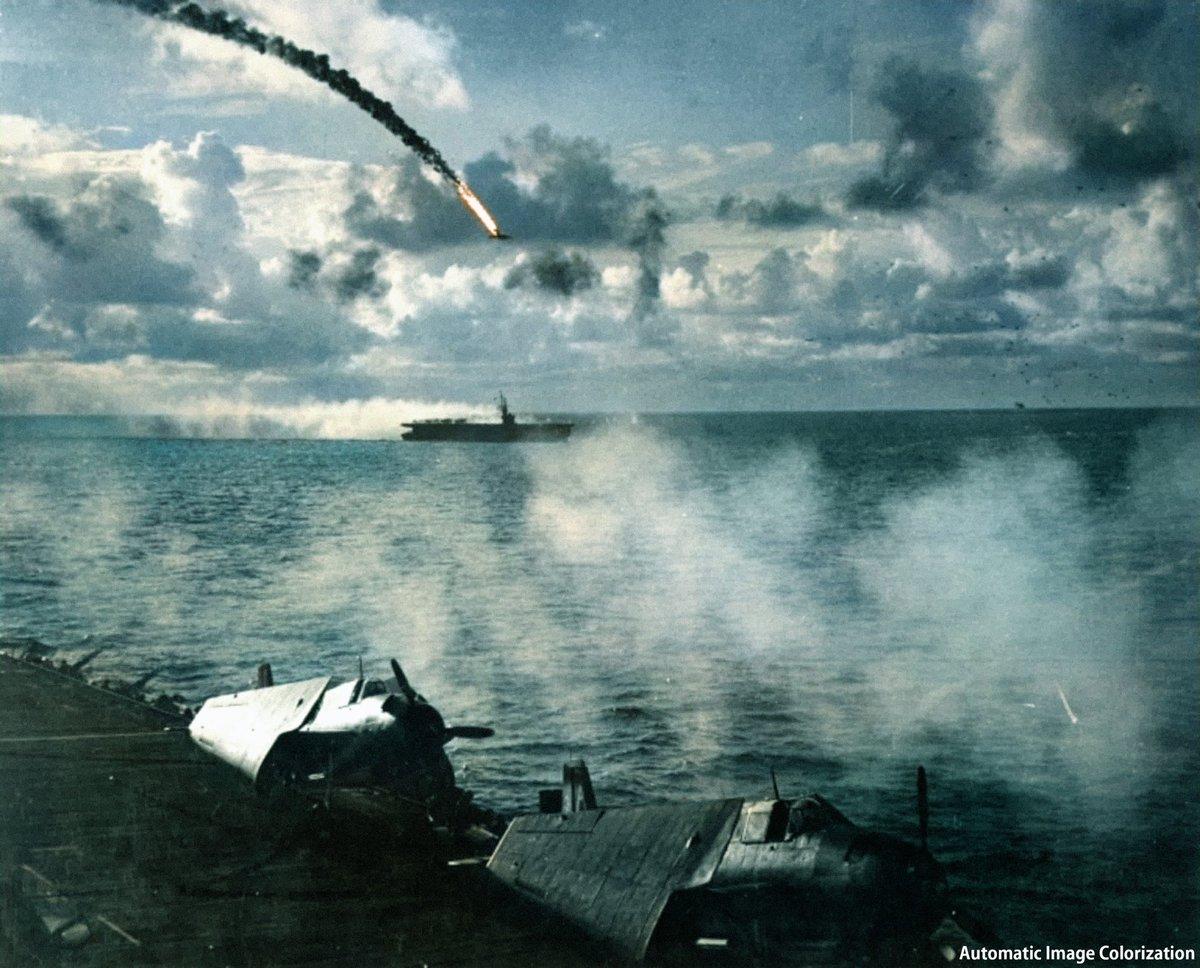 test ツイッターメディア - 6月19日:日本機動部隊は米機動部隊を発見 空母大鳳、翔鶴、瑞鶴、千歳、千代田、瑞鳳は順次攻撃隊を発艦し米艦隊への攻撃を開始したが、米軍はレーダーで日本軍の接近を既に探知しており万全の防空体勢の前に次々と撃墜された 米側の損害は小破にとどまり、日本側が140機も喪失した #マリアナ沖海戦 https://t.co/ZDO9QoomyG