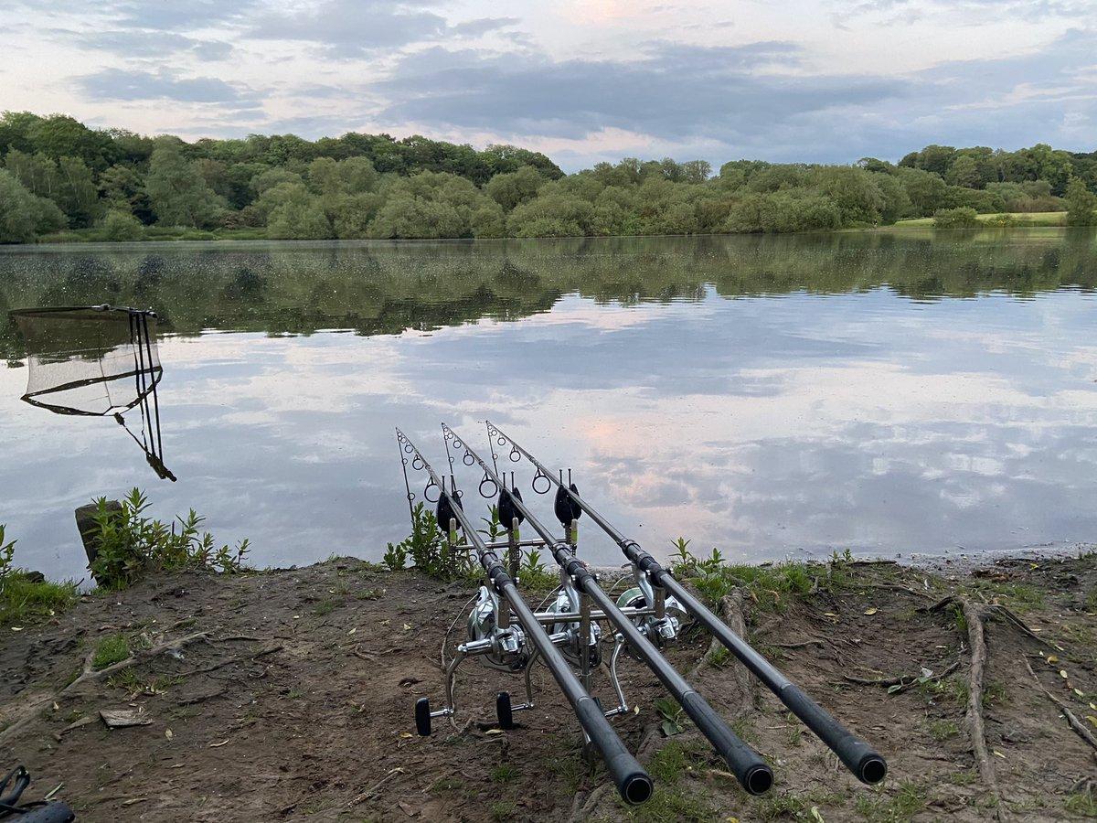 Carp Fishing On Top Flash in Cheshire Vlog 4 https://t.co/DwLBlses7n via @YouTube <b>Liv</b>e #carpf