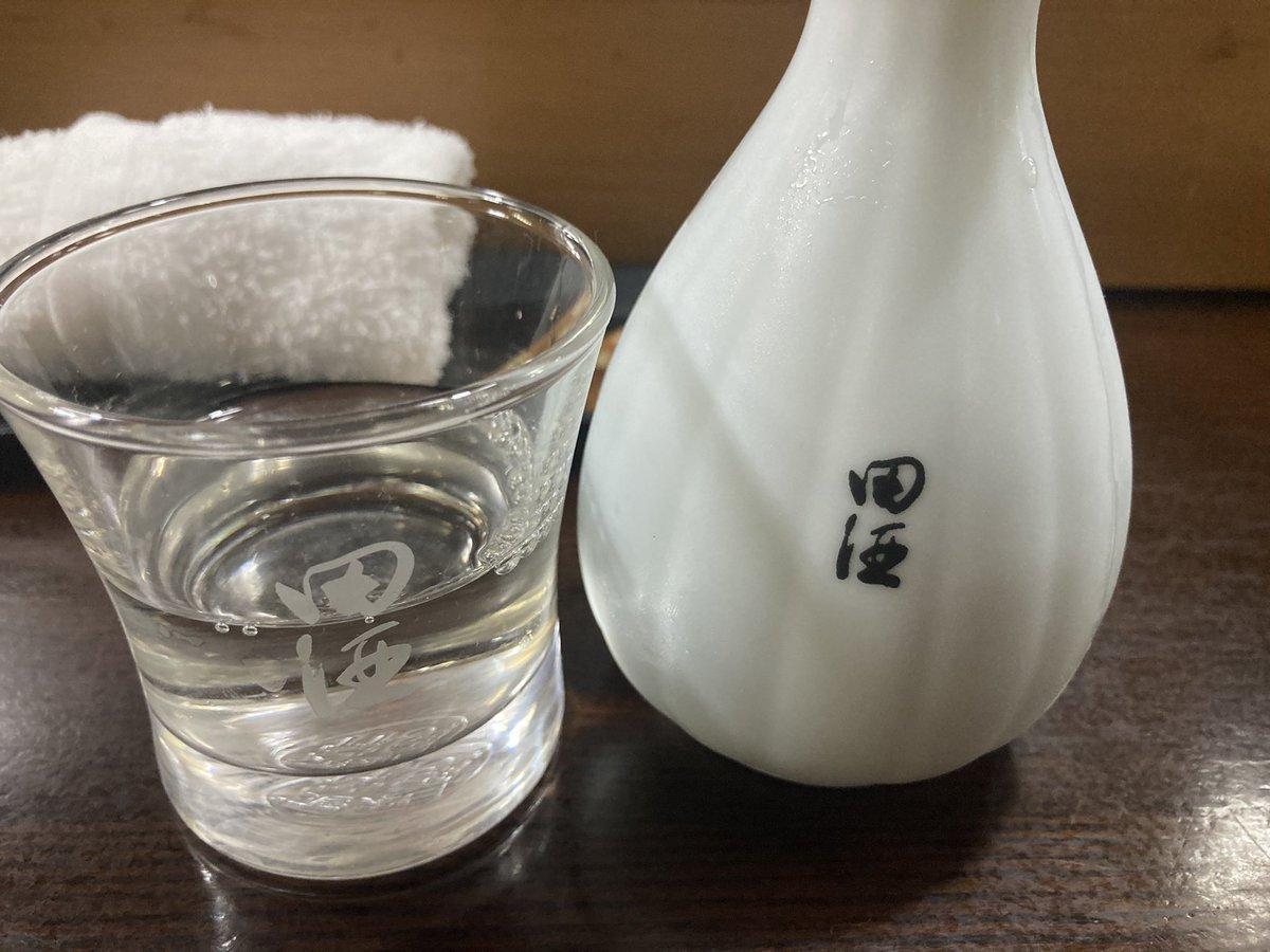test ツイッターメディア - 今夜は青森泊まり、近くの寿司屋で田酒なる日本酒を頂く、すっきり冷や酒で旨い! https://t.co/GdzXiUGz6F