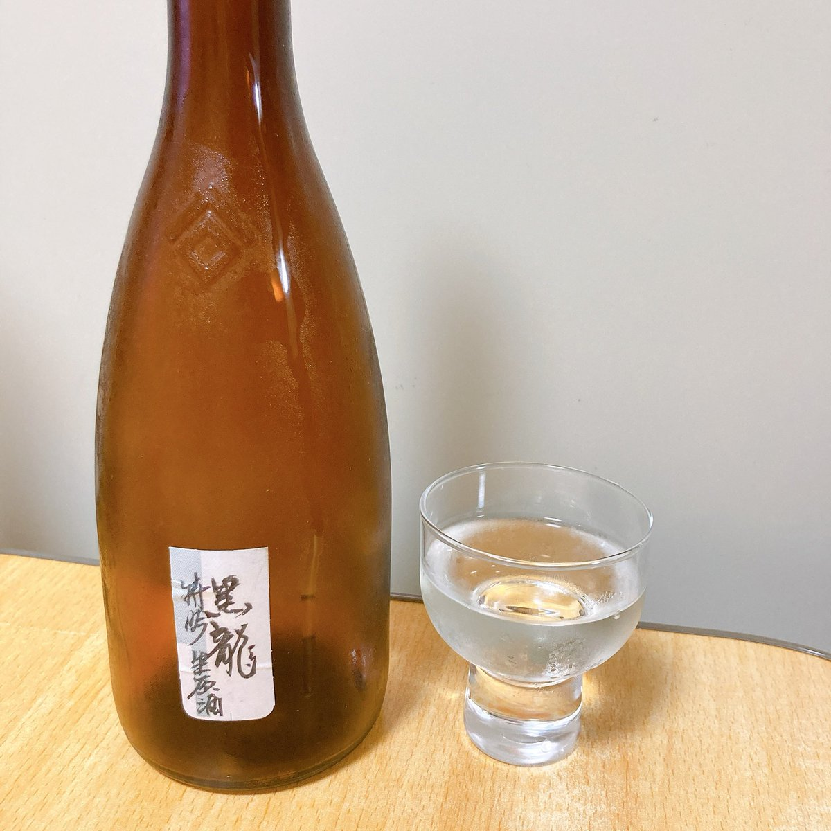 test ツイッターメディア - ここ3日間で呑んだ日本酒。運搬の際に一回常温にしてしまったので、味が落ちてるが、それでも美味い。手書きラベルの黒龍、いったいどこで手に入るんだ。 https://t.co/ieBJCn6dk0