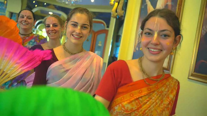 The dance of the Hare Krishna devotees (5 min. video)Look, we accepted the challenge too! 😉-&....