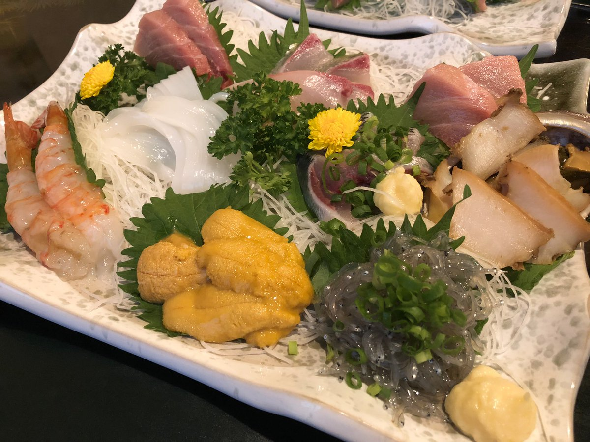 test ツイッターメディア - 初めて鮑のしゃぶしゃぶを食べた〜。刺身よりもステーキよりも美味しかった❗️食感が最高に良かった😋 メインの刺身盛りも美味しかったな...また食べたい。🍴  自宅に帰って五輪開会式を見ながら日本酒をチビチビ…🍶  #sake #十四代 #鮑のしゃぶしゃぶ https://t.co/TluLlH2Aou