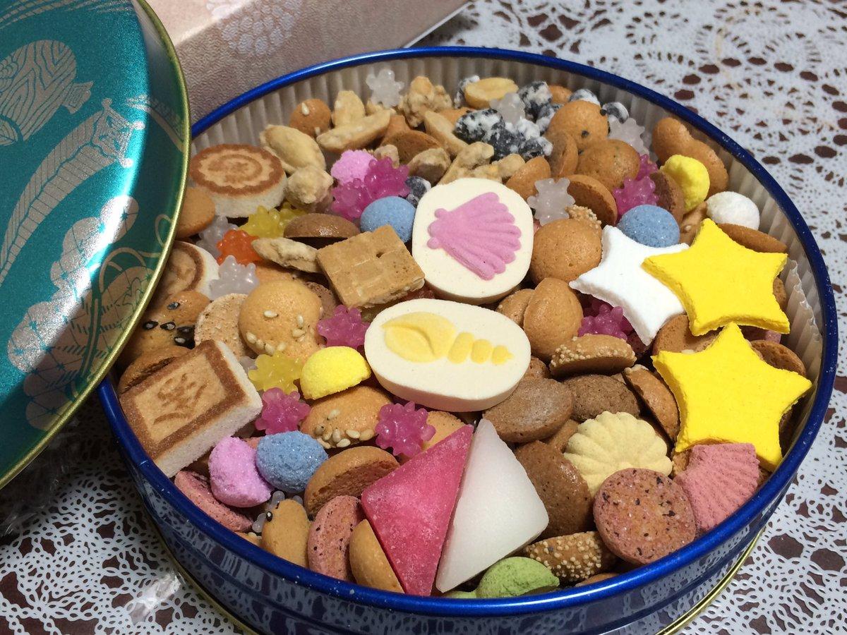 test ツイッターメディア - 冨貴寄のお菓子😭🙏……🙏😋✨ 可愛い上に沢山入ってて美味い神の食べ物…夏モチーフなのも、鴎のイメージあっていいかなーと思ったり!  朝顔ポストカード各種も、心遣いが沁みました…本当に感謝🙏 こりさんファンに刺されそうね… まぁ私だってファンだからな、返り討ちにしてやるわ。(お気持ち) https://t.co/Il6EtXIWzx