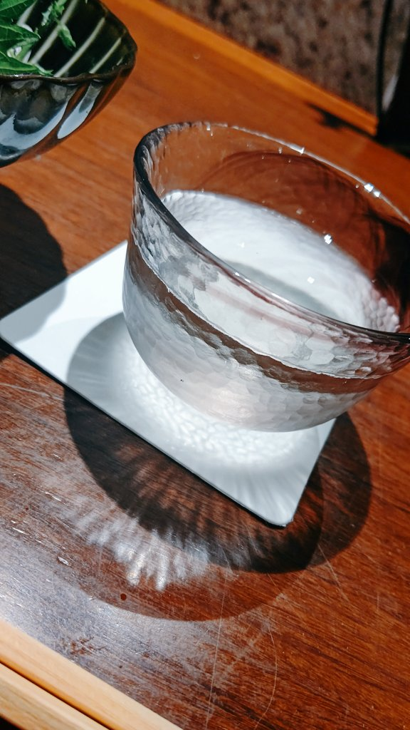 test ツイッターメディア - 久々に日本酒祭り🍶🏮  獺祭、醸し人九平次、浦霞 、飛露喜、ど辛(≧▽≦)✨✨  カニ味噌がまた日本酒に合う😌 https://t.co/wojVlDpkpS