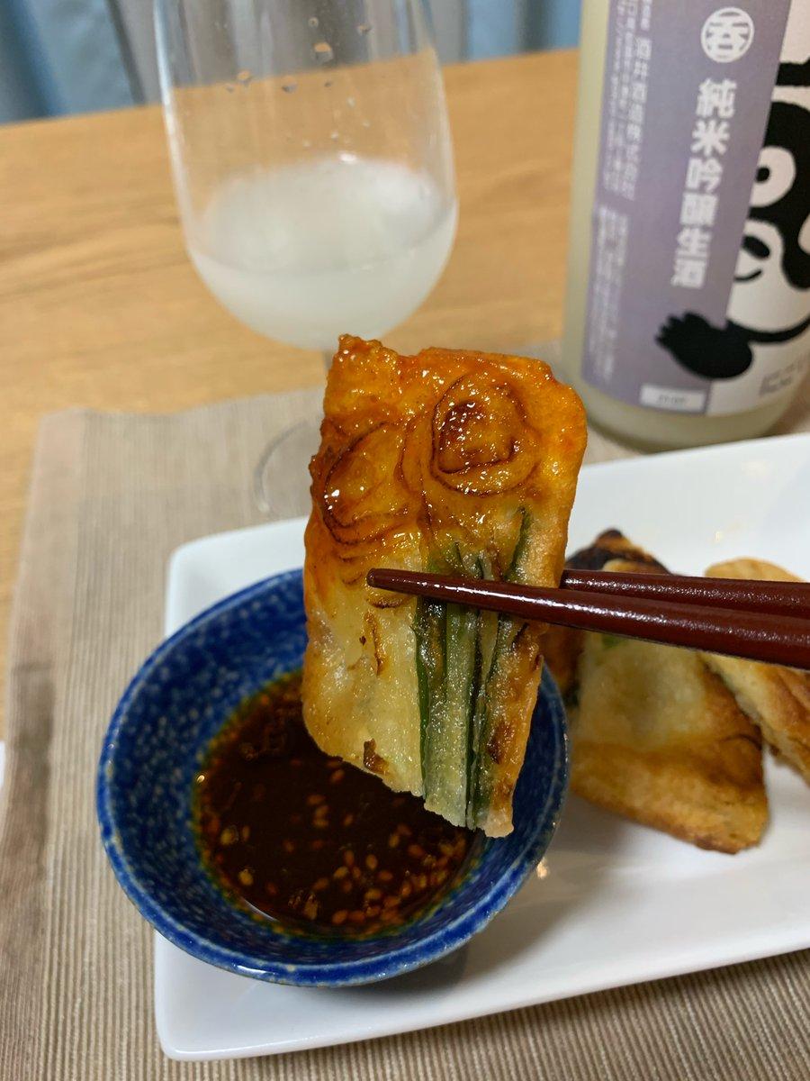 test ツイッターメディア - #五橋 #にごり酒 と #ニラチヂミ  ニラの青い香りとお酒の生感強い香りが同調、ごま油香ばしいもっちり感に包まれた野菜の旨味と日本酒の米の甘旨さが口内でコラボする  #東京純豆腐 #新宿グルメ #韓国料理と日本酒 #デリバリー #お取り寄せグルメ #お取り寄せ #Ubereats  続く https://t.co/dSpd1Kl40j
