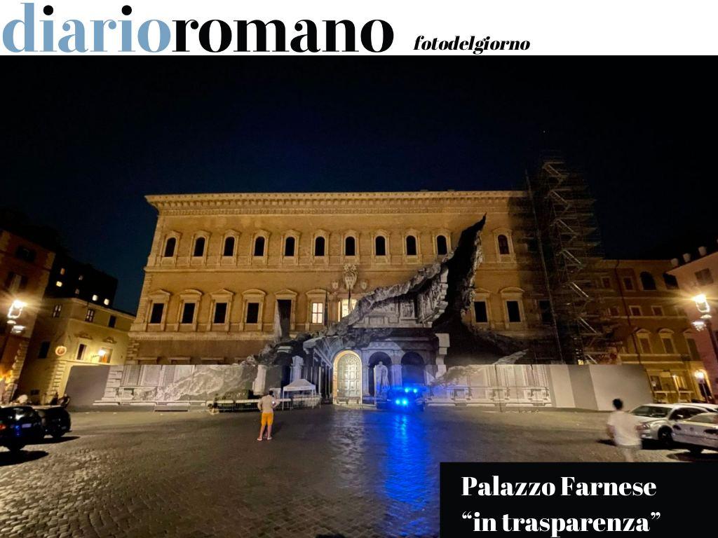 test Twitter Media - Ancora alcune settimane per ammirare l'opera dello street artist JR su palazzo Farnese. Lo squarcio virtuale mostra l'interno dell'edificio attraverso la facciata del Sangallo. #Roma #fotodelgiorno https://t.co/MKeqCnVghO