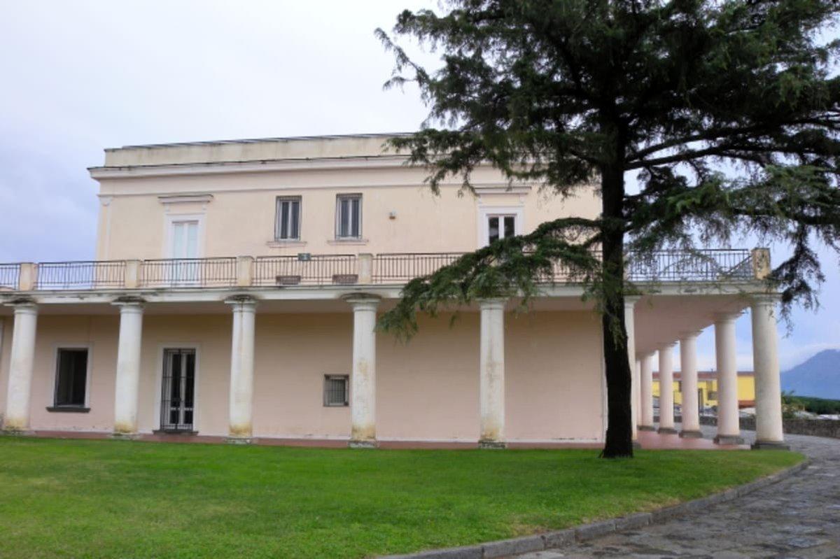 test Twitter Media - #cronaca #ultimenotizie '#Lirica sotto le stelle' a Villa delle Ginestre - https://t.co/ourHIt3h0d - #GiacomoLeopardi #SottoLeStelle #TorreDelGreco #UltimeNotizie #VillaDelleGinestre https://t.co/s9K7fSXOZV