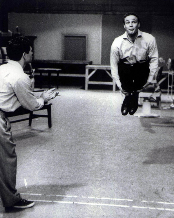 Marlon Brando behind the scenes of GUYS AND DOLLS.. https://t.co/Fbzgj7jUq9