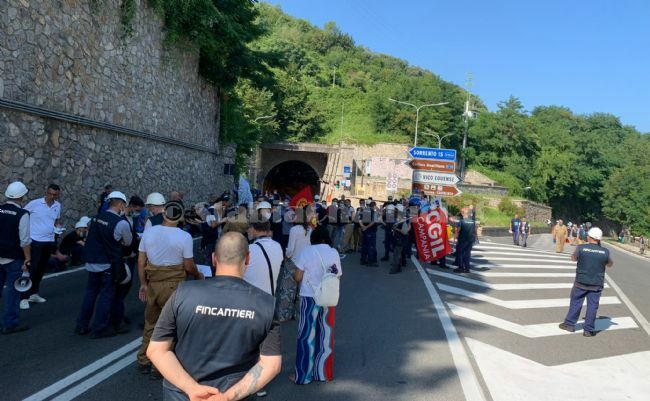 test Twitter Media - #PoliticaLavoro #Castellammare - Fincantieri, segnali dalla Prefettura. Oggi il varo, nel pomeriggio la manifestazione LEGGI LA NEWS: https://t.co/807IwtFZ9M https://t.co/FJB0zm9CWP