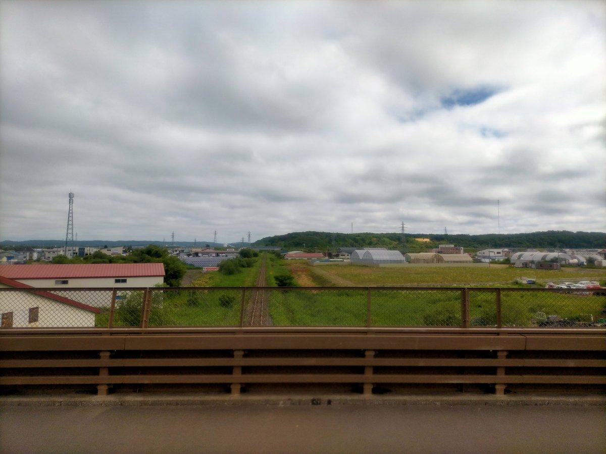 test ツイッターメディア - 釧路川と釧網本線の線路を渡り、 別保のトライアルを過ぎるとガチの原野へ この単調な景色が中標津まで2時間続くw https://t.co/Z9Q2yKtLTP