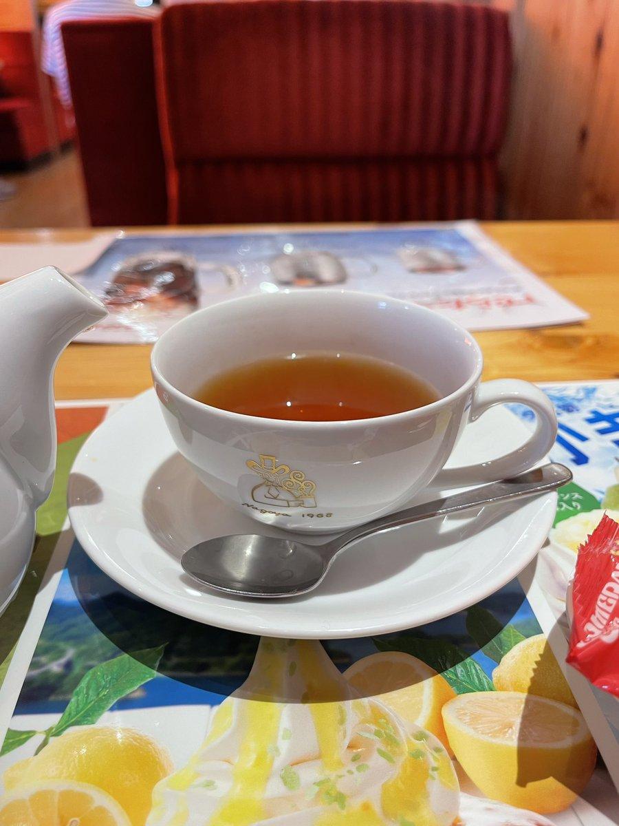 test ツイッターメディア - 知り合いの方にこの存在を教えて頂いてから、コメダに来たらほぼこれを注文しています😆  お伊勢さんの和紅茶「瑞」 伊勢神宮(外宮)に奉納されている「茶来まつさか」の和紅茶を使用しているそうです。  #KomedaOfficial #和紅茶 #sarai_nakamura https://t.co/l5OZIPkDkE