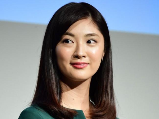 test ツイッターメディア - 日本テレビのアナウンサー・岩本乃蒼が30日にインスタグラムを更新し、16歳の頃の留学先での写真を公開。ファンから「素敵ですね」「可愛い」といった反響が集まった。岩本が「ニッポンから来たドラえもんだよー... https://t.co/UVaWhKesum https://t.co/GPfQqC8rj7