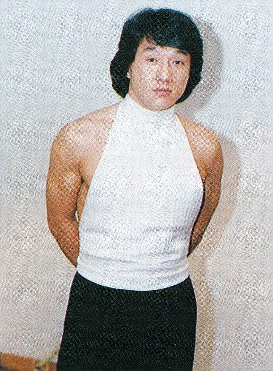 test ツイッターメディア - @AKITO453145 あのジャッキーチェンすらも着たことがある童貞を殺すセーターですね https://t.co/2XQe4Rih6v