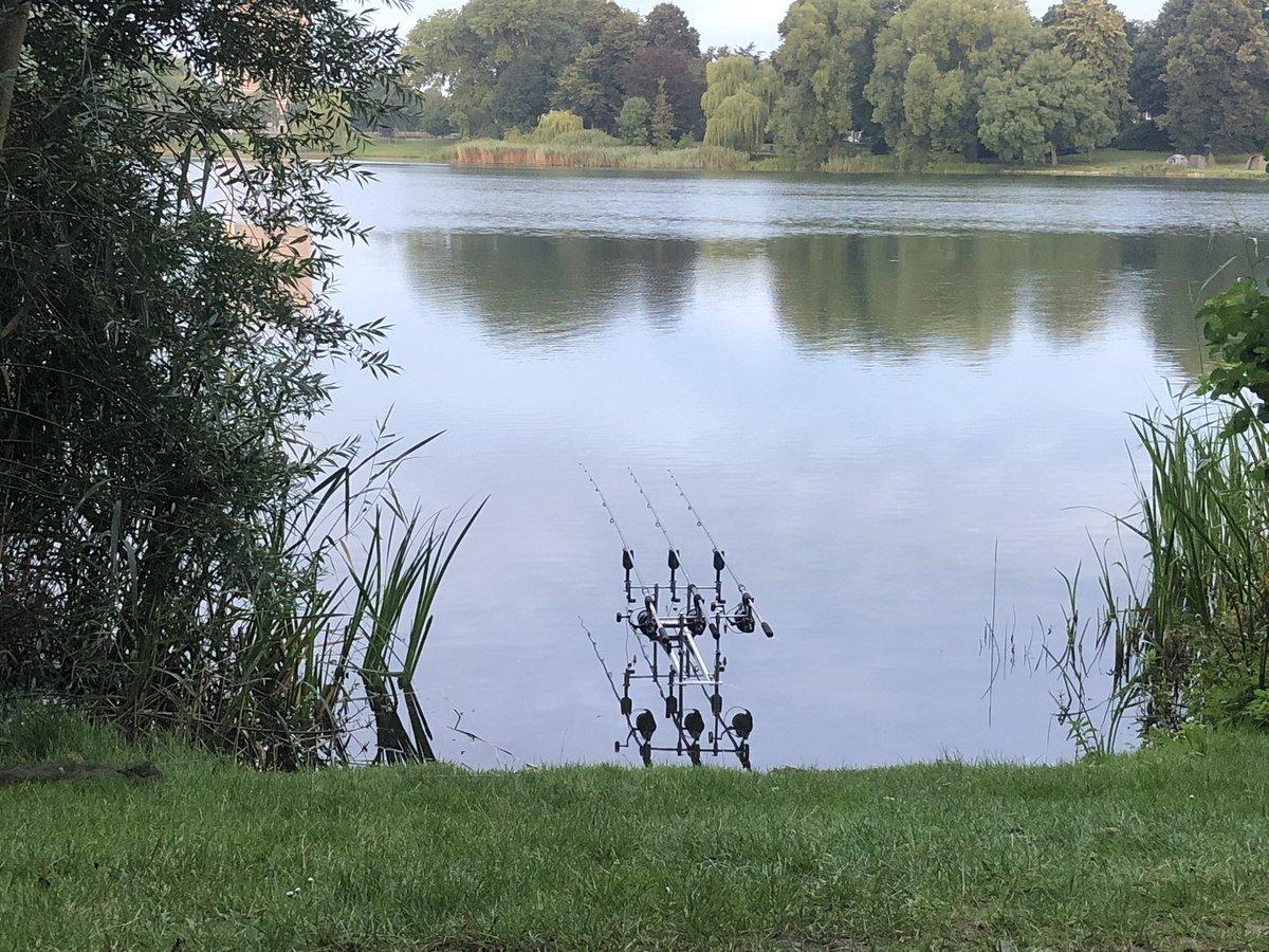 My spot on the banks for today 🙏🏻🎣🤞🏻#carp #carpfishing #karper #karpervissen #fishing