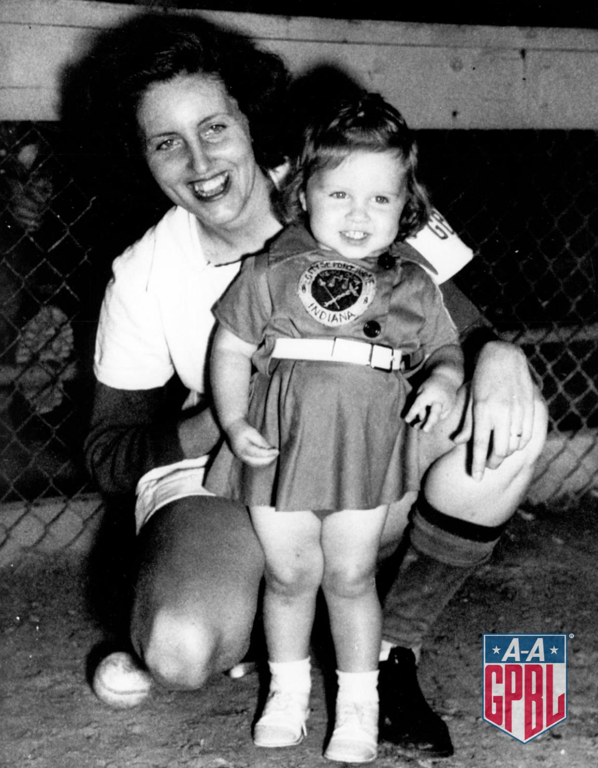 #OTD in 1948 - After pitching until she was 4 months pregnant, Dottie Wiltse Collins decides to go on maternity leave with her first child, Patricia. Dottie went 13-8, 2.01 ERA in 1948. Patty was born on December 22nd of that year. Dottie would return in 1950 for her final season https://t.co/NEmjtBMfG9