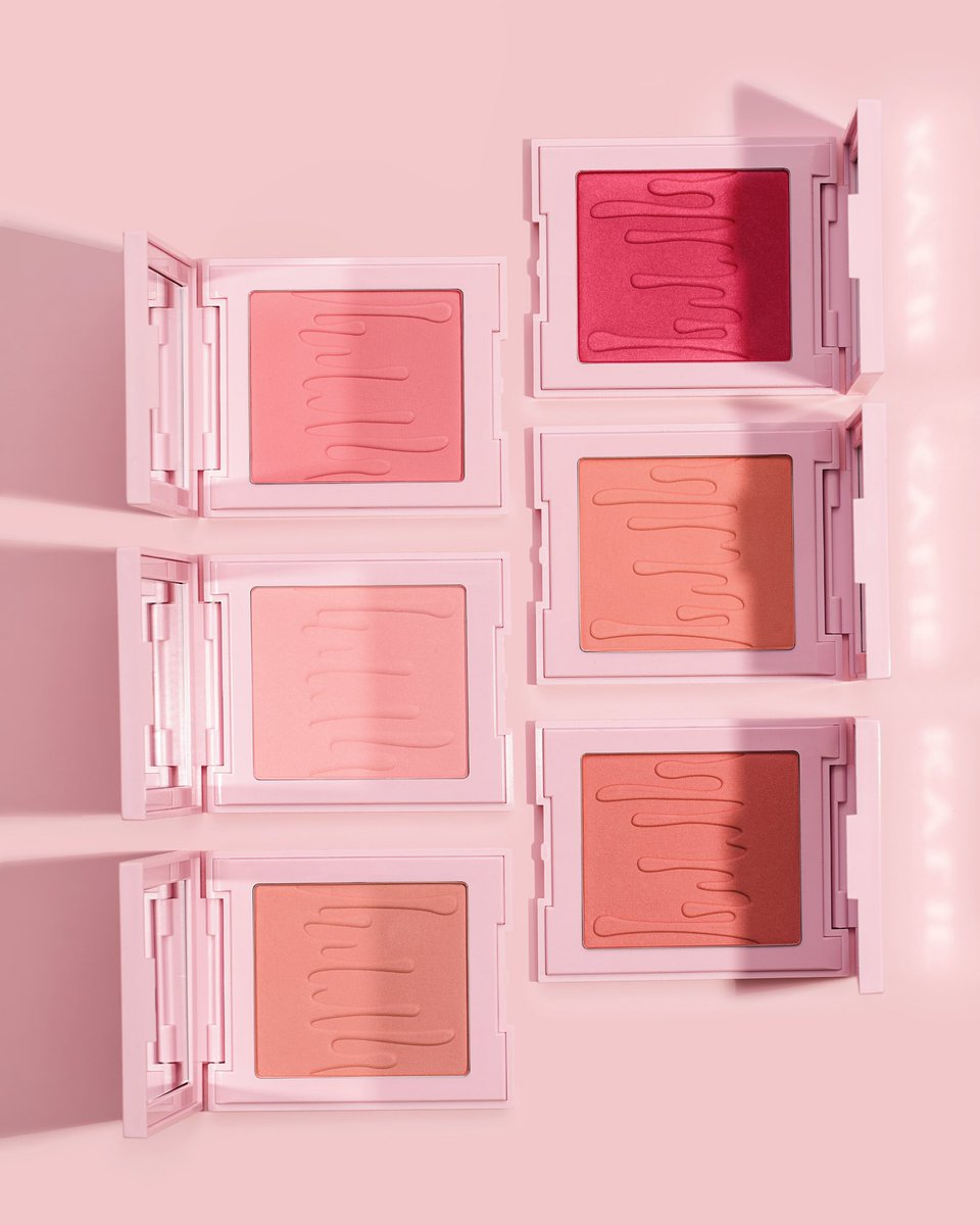 So excited you can now get my blushes, bronzers and kylighters at @ultabeauty! ????✨ In all stores and online now! https://t.co/jixyGpKAdm