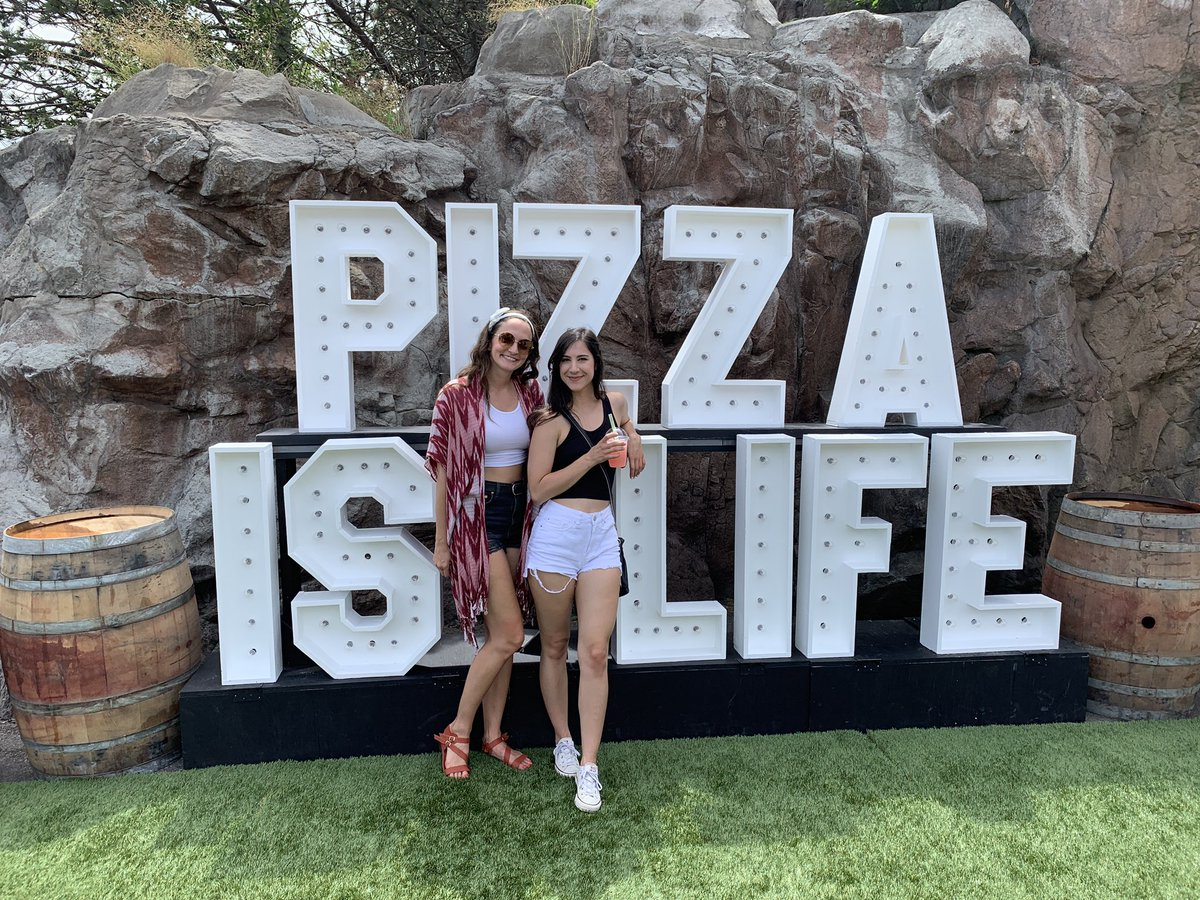 test Twitter Media - Toronto's Pizza Fest was full of yumminess today! Had two delicious pizza slices, risotto balls, aperol spritz popsicle, and a s'mores pizza for dessert! 😍🍕 #PizzaFestTO https://t.co/p6yZK10d0C
