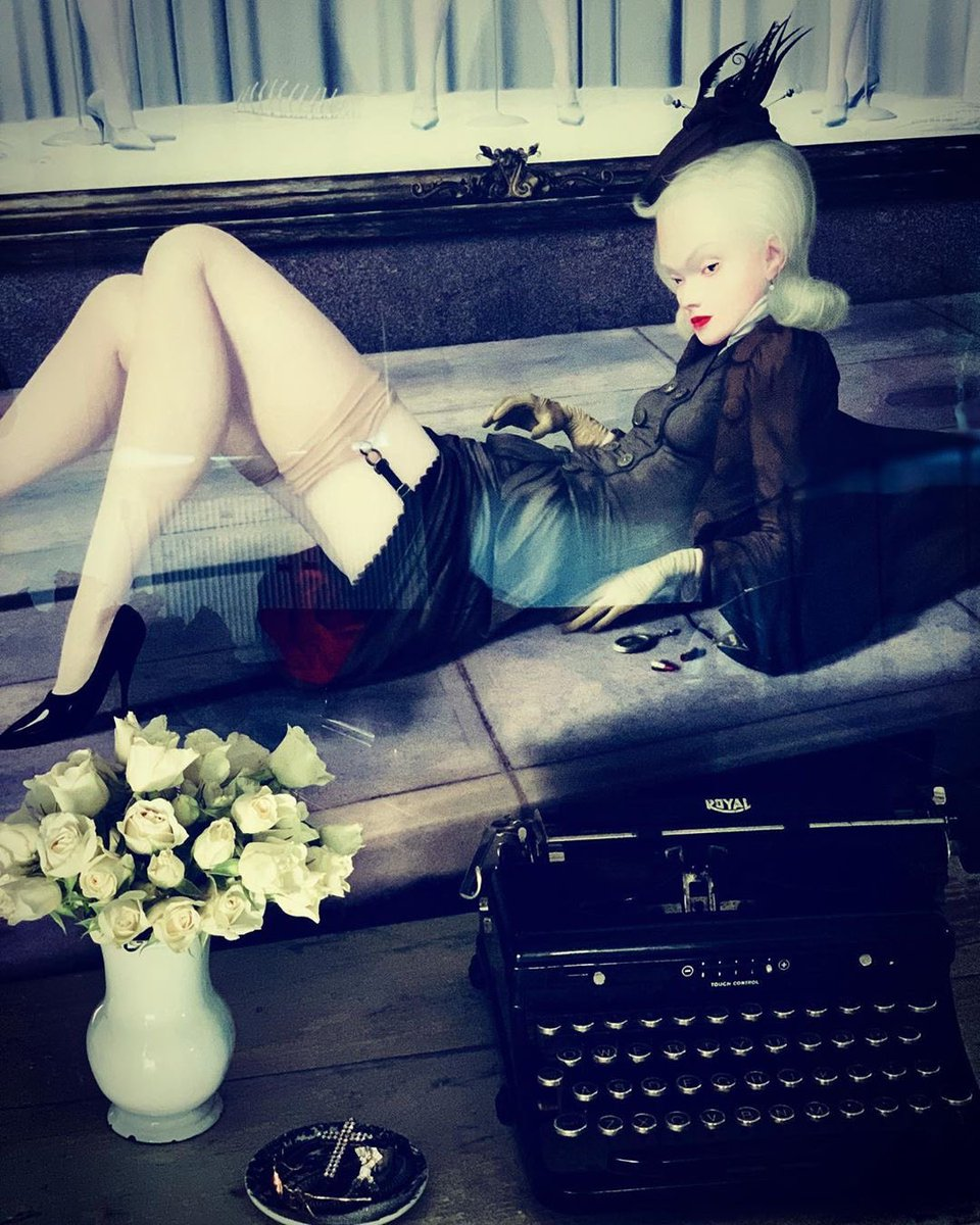 Madame ❌ takes a day off.......................#sunday https://t.co/yfxmRUtxTQ