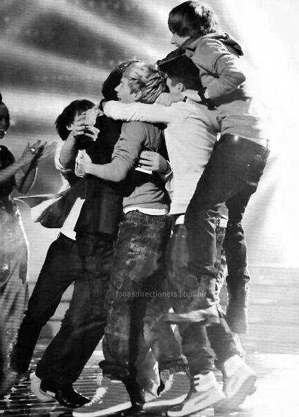 #9YearsOfOneDirection