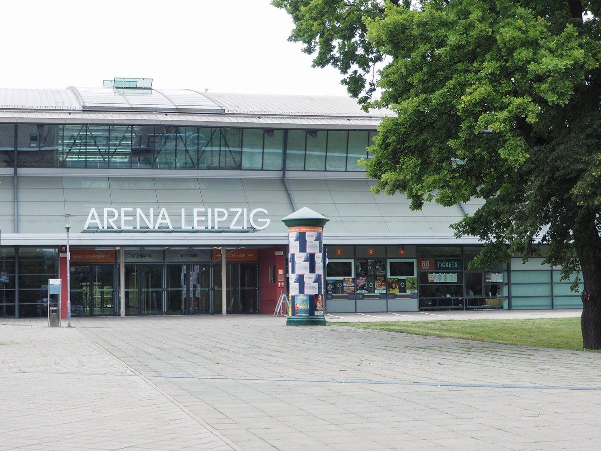 +++VORVERKAUFSSTART+++ Morgen um 13 Uhr beginnt der Vorverkauf für den Kracher-Auftakt gegen die @FuechseBerlin!🛒 Bundesligaspieler Marc Esche wird morgen zwischen 13 und 14 Uhr am Arena-Ticketschalter höchstpersönlich die ersten Eintrittskarten für die neue Saison verkaufen! 😊 https://t.co/LqP7CuiGxW
