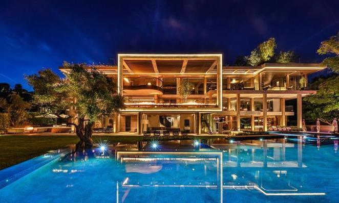 RT @trailsofsmoke: Chinese Billionaire just paid $75 million for this Bel Airmansion https://t.co/yvunIbNThw https://t.co/UhjqeZszro