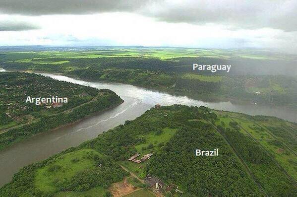 RT @gormen_lazim: 3 sınırın buluştuğu yer.. Brezilya, Arjantin, Paraguay https://t.co/l8UhUtlyw4
