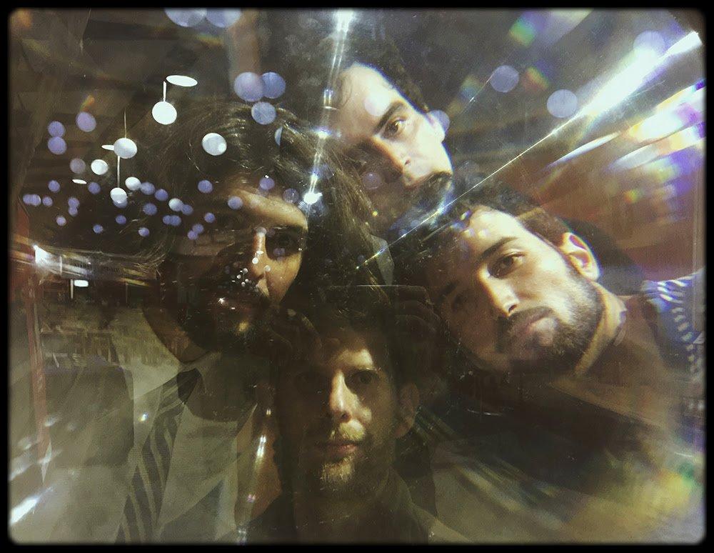 """test Twitter Media - [Podcast] Iniciamos la semana con un nuevo #ViajeSinRumbo 🚀 que nos llevará a conocer """"Persisten"""", el tercer álbum de la banda @tusamigosnuevos 🎶. Sobre este nuevo material y lo que se viene conversaron con @Ifranzani y tú lo puedes escuchar aquí -> https://t.co/L8wsAscE6K https://t.co/tcYKJP9tZt"""