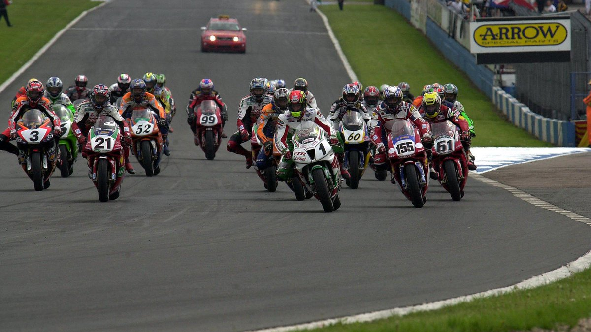 test Twitter Media - Chili and Hodgson put on a show at Donington Park in 2001!  A phenomenal season of #WorldSBK action got even better, as a massive British crowd saw their heroes battle it out for WorldSBK glory!  📃| #WorldSBK  https://t.co/PFS9rXfuvE https://t.co/jfvQuRMuSl
