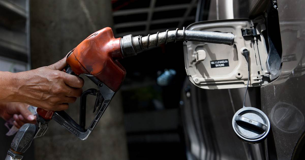 New refillable batteries could fuel an electric car revolution