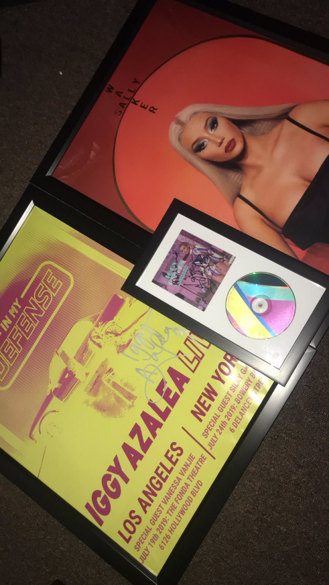 RT @MxhmoudG: Okay just framed everything I got yesterday. My poor credit card ???? @IGGYAZALEA https://t.co/QEXyMZssHa