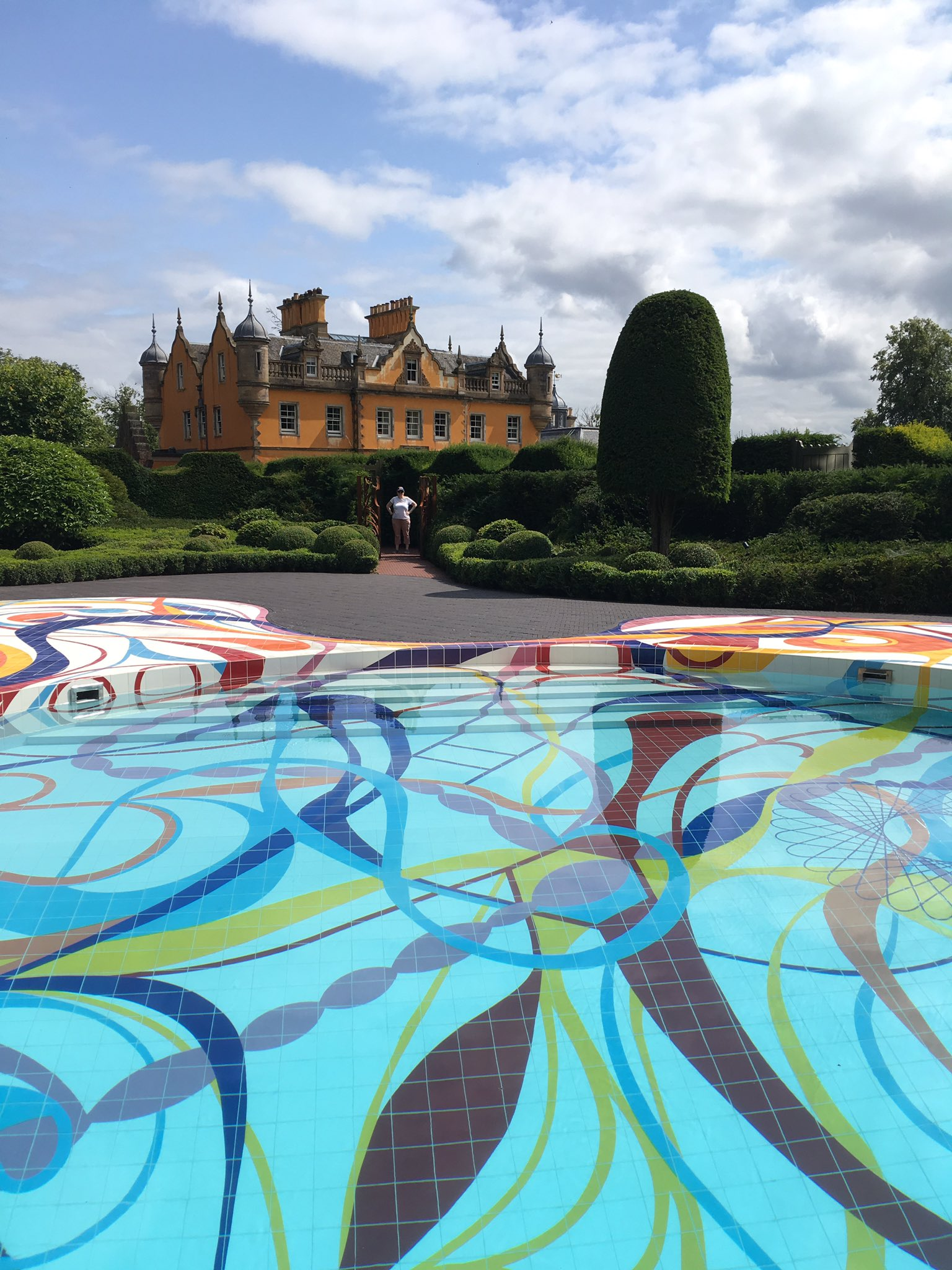 Another fantastic trip to @jupiterartland today. The new pool by #joanavasconcelos is stunning. https://t.co/TRJ0s6P14B